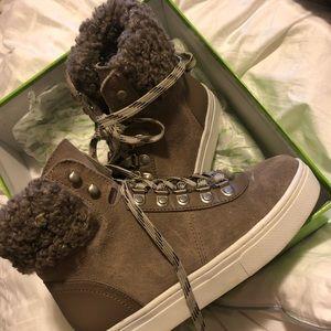 Never worn sam Edelman boot/sneakers